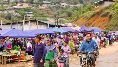 [ẢNH] Thăm chợ phiên Cán Cấu, nét văn hóa nguyên sơ còn sót lại tại Lào Cai