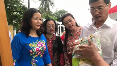 Triển khai Cuộc vận động 'Người Việt Nam ưu tiên dùng hàng Việt Nam' – Nỗ lực thực hiện mục tiêu kép