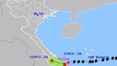 Vì sao áp thấp nhiệt đới cứ 'lởn vởn' trên biển không vào bờ?