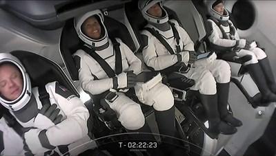 Các phi hành gia không chuyên của Inspiration4 trở về Trái Đất an toàn
