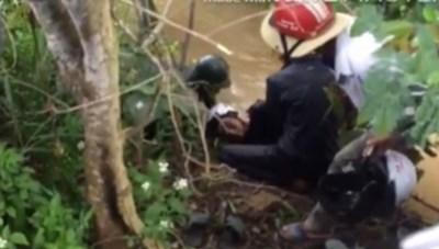 Đắk Lắk: Phát hiện thi thể 2 học sinh dưới khe suối