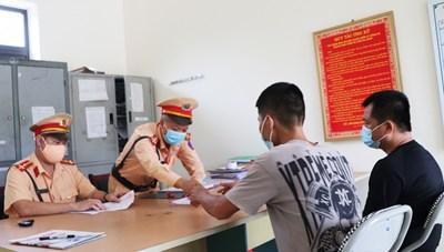 Quảng Ninh: Phạt 15 triệu đồng trường hợp trốn khai báo y tế để 'thông chốt'