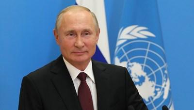 Ông Putin đề nghị cấp vaccine Covid-19 miễn phí cho nhân viên Liên Hợp Quốc
