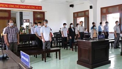 Phú Yên xét xử sơ thẩm 18 bị cáo trong vụ làm lộ đề thi công chức