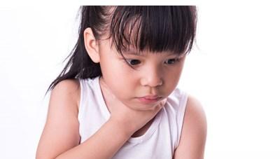 Hóc dị vật ở trẻ chuyện nhỏ nhưng hậu quả nặng nề