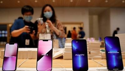 iPhone và AirPods thiếu hàng trầm trọng tại Việt Nam
