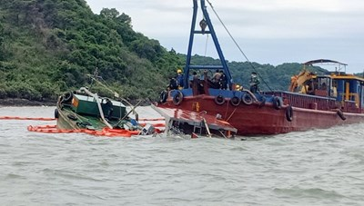 Quảng Ninh: Chìm tàu chở dầu khiến 1 người tử vong