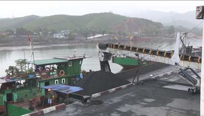 Quảng Ninh: Bắt tạm giam 4 cán bộ Công ty Tuyển than Hòn Gai