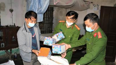 Triệt phá đường dây tàng trữ, mua bán pháo nổ ở Nghệ An