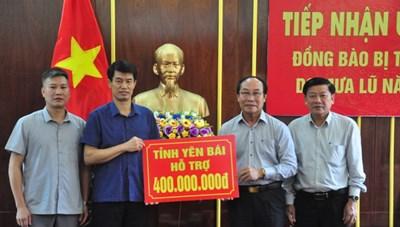 BẢN TIN MẶT TRẬN: Yên Bái ủng hộ 400 triệu đồng cho người dân vùng lũ Quảng Nam