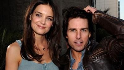 Sau 8 năm ly hôn Tom Cruise, Katie Holmes đã làm mới mình như thế nào?