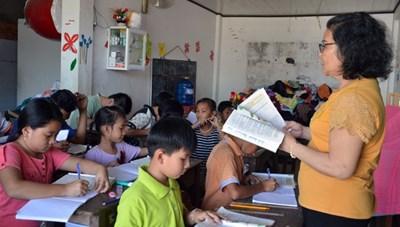 Bà giáo gần 20 năm dạy chữ cho học trò nghèo ở Cà Mau