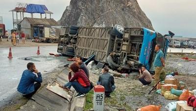 Vụ lật xe khách ở Hòa Bình: Đánh giá an toàn đối với xe giường nằm