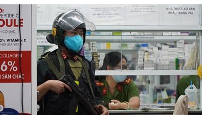 Cảnh sát bất ngờ khám xét chuỗi nhà thuốc tây lớn nhất Đồng Nai