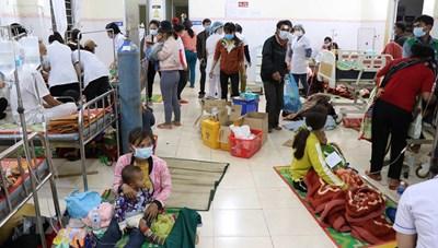 Điều tra nguyên nhân vụ nghi ngộ độc thực phẩm tập thể tại Gia Lai