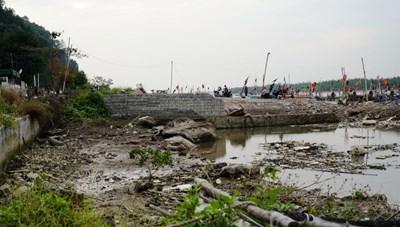 Cửa sông Lạch Trường bị lấp