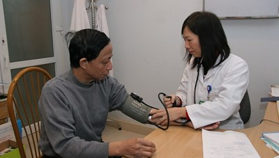 Đề phòng tai biến do tăng huyết áp khi trời lạnh