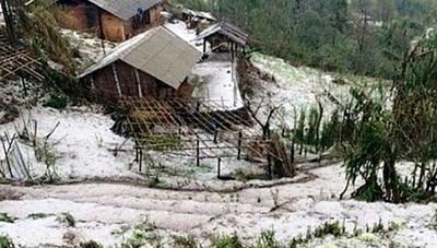 Tập trung ứng phó, khắc phục hậu quả dông lốc, mưa đá