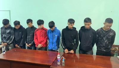 8 thanh niên thuê nhà nghỉ để mở 'đại tiệc' ma túy