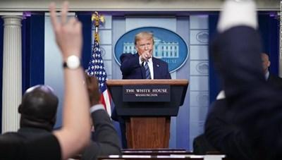 Tổng thống Mỹ Donald Trump ký sắc lệnh hạn chế nhập cư