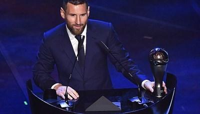 Messi, C.Ronaldo hết cơ hội giành giải Cầu thủ xuất sắc nhất thế giới
