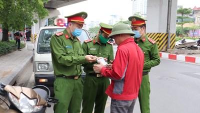 Công an Hà Nội xử lý 20 đối tượng chống người thi hành công vụ trong dịch Covid-19
