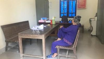 Cụ bà nghi đổ thuốc diệt cỏ hại gia đình hàng xóm vì bị vu oan trộm tiền