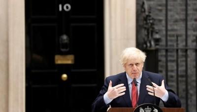 Thủ tướng Anh trở lại làm việc giữa tâm bão