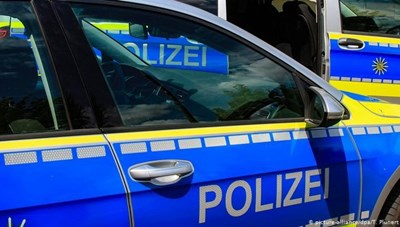 Cảnh sát Đức giải cứu 11 người nhập cư trong xe đông lạnh