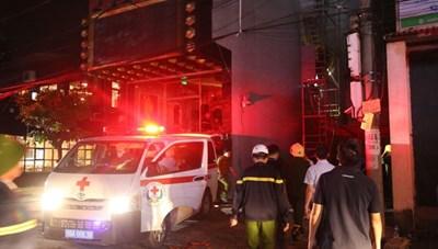 Cháy quán karaoke, 1 người tử vong