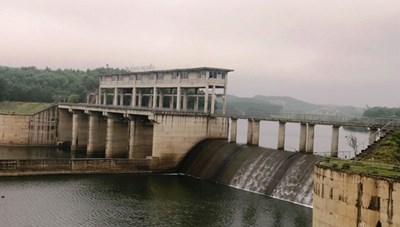 Tập đoàn Hoành Sơn chây ì đóng phí: Ưu ái cấp nước cho Formosa?