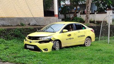 Bắt 2 đối tượng dùng súng cướp taxi