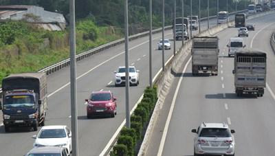 Tái thu phí cao tốc TP Hồ Chí Minh - Trung Lương: Băn khoăn từ nhiều phía
