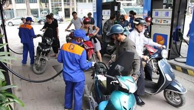 Giá xăng dầu giảm kỷ lục, thấp nhất trong vòng 11 năm trở lại đây