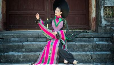 Nhà thiết kế Trung Beret: Đưa vải thổ cẩm vào áo dài