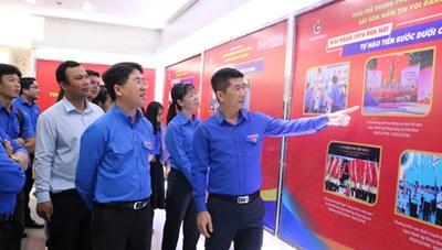 TP HCM: Khai mạc triển lãm ảnh 'Tuổi trẻ thành phố sắt son niềm tin với Đảng'