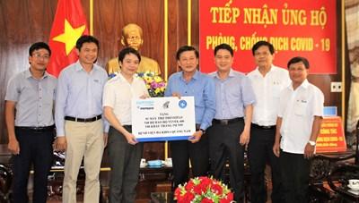 Mặt trận Quảng Nam tiếp nhận vật dụng phòng, chống dịch Covid-19