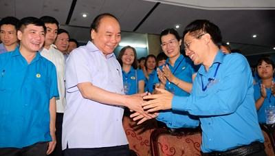 [ẢNH] :Thủ tướng đối thoại với công nhân