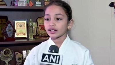 Bé gái 8 tuổi với 2 kỷ lục thế giới