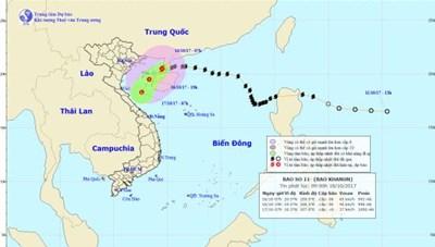 Bão số 11 suy yếu, cách đảo Bạch Long Vỹ 110 km trong 12 giờ tới