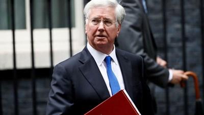 Bộ trưởng Quốc phòng Anh từ chức vì bê bối tình dục