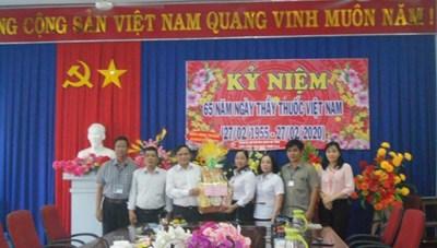 Mặt Trận tỉnh Ninh Thuận chúc mừng Ngày Thầy thuốc Việt Nam 27-2