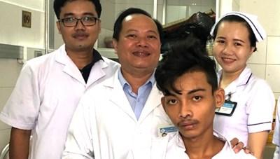 Cứu sống bệnh nhân bị tổn thương khối tá tuỵ hy hữu