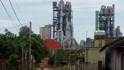 Sống cạnh Nhà máy xi măng Sông Lam: Mòn mỏi chờ tái định cư