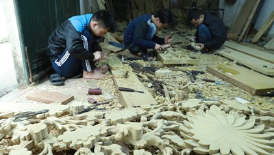Ngành gỗ cầm cự trong khó khăn