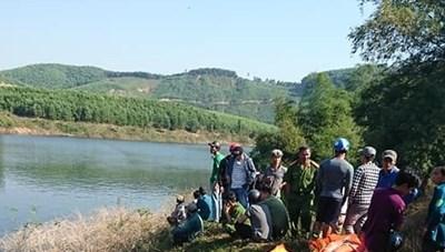 Thừa Thiên – Huế: Lật thuyền trên sông La Ma, 2 người chết, 1 người mất tích