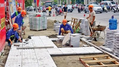 Hà Nội kiểm tra, báo cáo chất lượng lát vỉa hè trong tháng 12