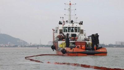 Không để tàu chìm tràn dầu ra biển