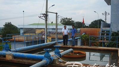 Người dân bất an nguồn nước từ Nhà máy nước sạch