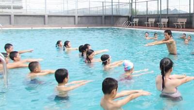 Phát động trẻ em toàn quốc học bơi an toàn, phòng chống đuối nước